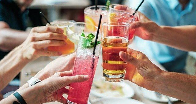 Les bienfaits d'une soirée d'entreprise de type cocktail